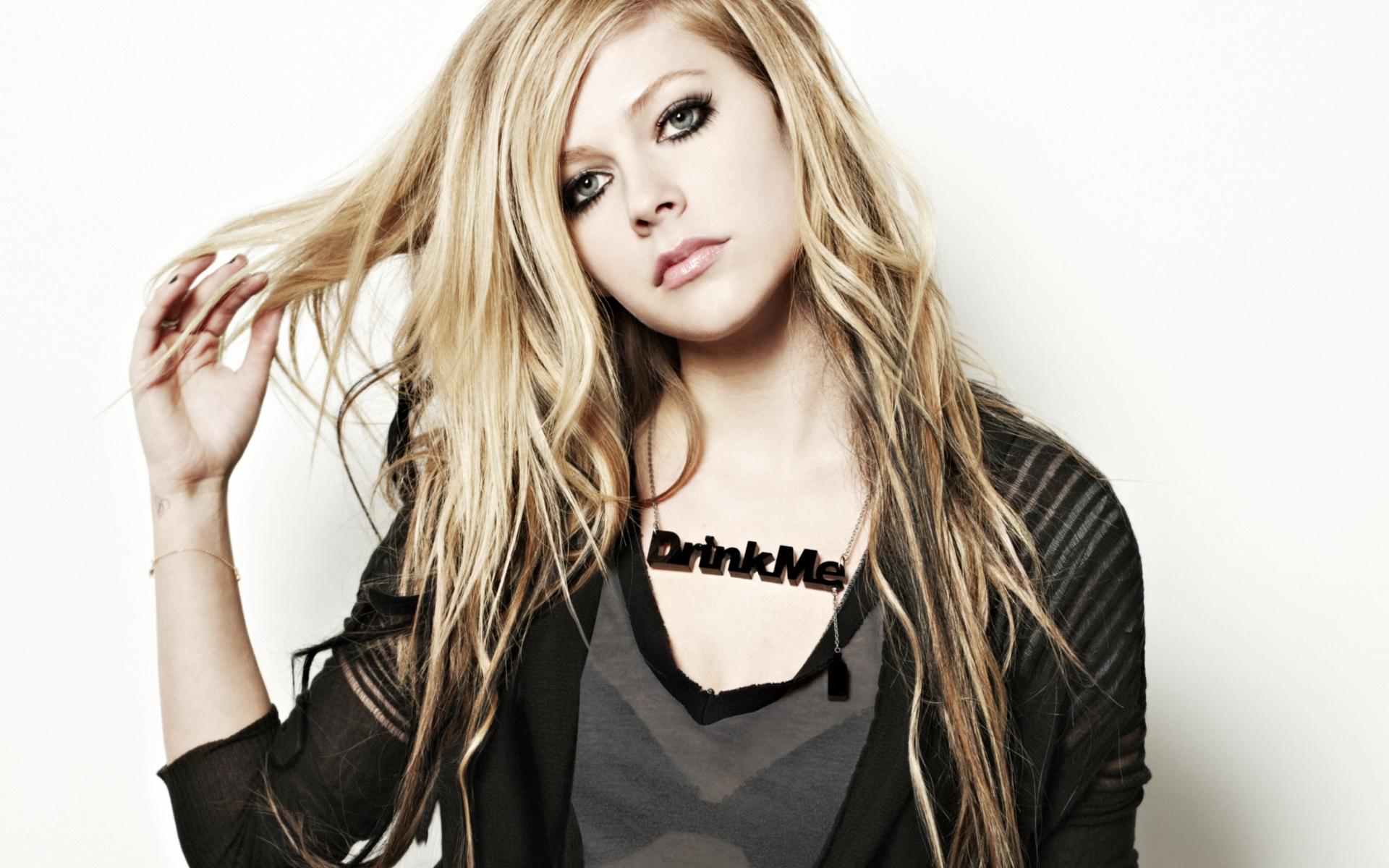 Avril Lavigne estrena single