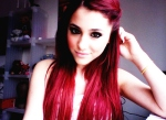 ariana grande pelo rojo 4