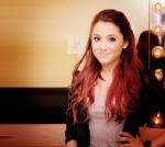 ariana grande pelo rojo 5