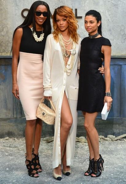Rihanna sin ropa interior 2 for Rihanna sin ropa interior