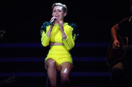 miley bambi awards